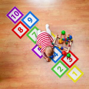 Adesivo para Chão Amarelinha Infantil Laminado