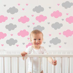 Adesivo de Parede Infantil Nuvens e Corações